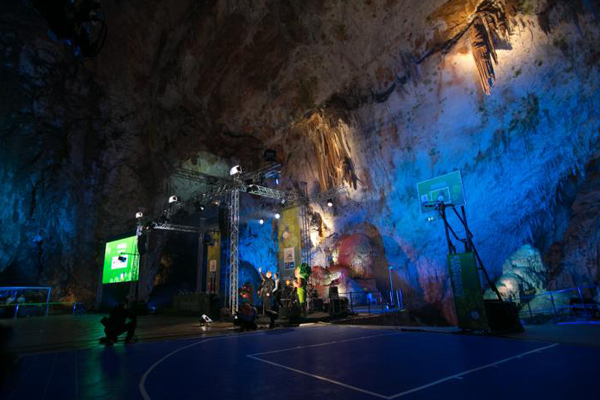 Eurobasket-2013-Basketball-Court-in-Postojna-Cave